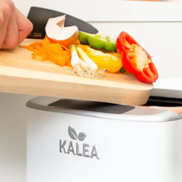kalea: turn kitchen waste into real compost in only 48h